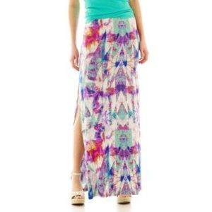 DECREE Multicolor Maxi Skirt with a Side Slit.